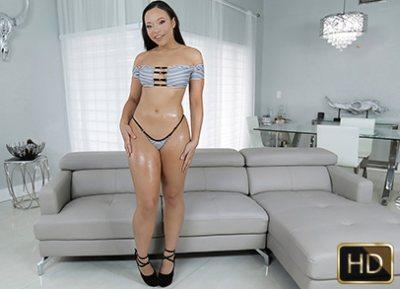 Super Thicc And Sassy Chick | Adriana Maya
