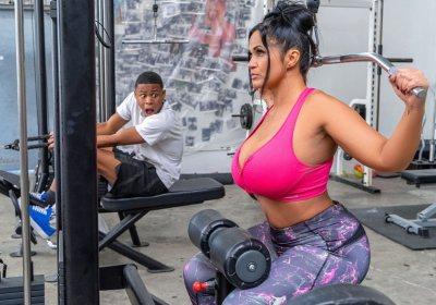 Getting Humped | Kailani Kai