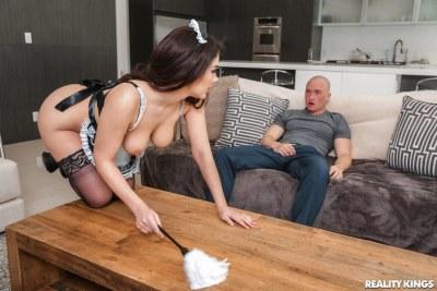 Curvy Cleaning   Valentina Nappi, Zac Wild