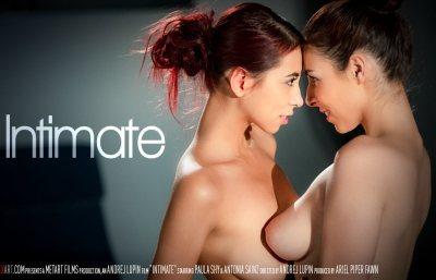 Intimate | Antonia Sainz, Paula Shy