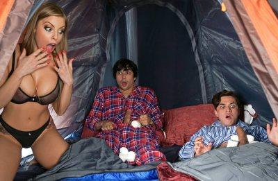 Lil Campers   Britney Amber, Juan El Caballo Loco & Ricky Spanish
