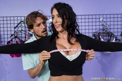 What Size Are You? | Reagan Foxx, Tyler Nixon