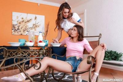 No Words Necessary | Izzy Bell, Sofie Reyez