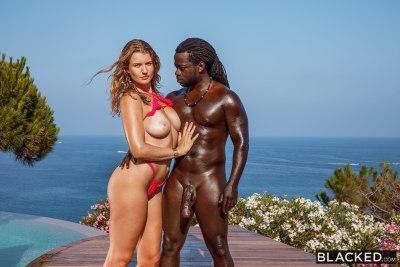 A Perfect Vacation   Mia Melano, Freddy Gong