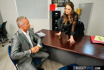 Big tits boss Natasha Starr fucks her new employee (Marcus London)