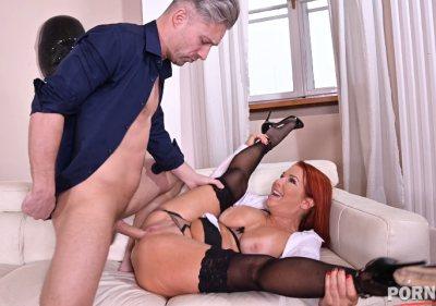 American milf Veronica Avluv is a naughty housemaid on ass fucking duty GP1277