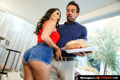 Sofi Ryan fucks older man (Johnny Castle)