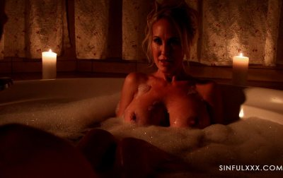 Brandi Love Artful Candle light Bath Fuck | 2020