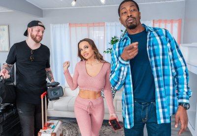 I Fucked My BnB Host | Abigail Mac, Isiah Maxwell