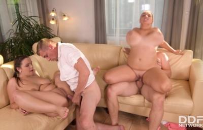 Orgasmic Group Sex   Sofia Lee, Krystal Swift, Michael Fly & Steve Q