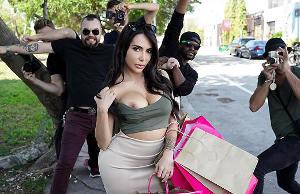 Kim K Fucks The Paparazzi – Lela Star, Levi Cash (2015)
