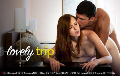 Lovely Trip – Linda Sweet, Kristof Cale (SexArt / 2015)