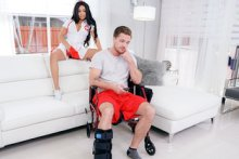 Naughty Nurse Gives Good Head – Aaliyah Hadid (2017)