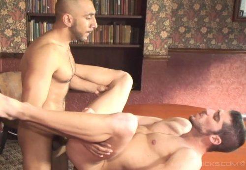 Hard Discipline – Leo Domenico & Adam Nivad (UKHotJocks / 2015)