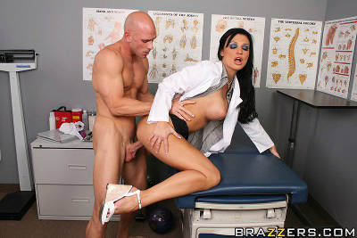 Stuck In A Pickle – Aletta Ocean, Johnny Sins (2010)
