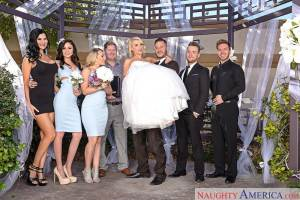 Alix Lynx & Danny Mountain in Naughty Weddings (NaughtyAmerica / 2016)