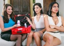 The Family Sexologist – Allie Haze, Jaclyn Taylor & Gina Valentina (2017)