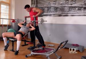 Anal Workout – Brunette College Girl Ass Fucked At The Gym – Amirah (2016)