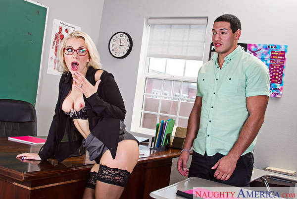 Ashley Fires & Tony Martinez in My First Sex Teacher (NaughtyAmerica / 2015)