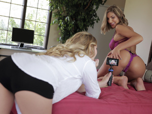 Fun With Camera – August Ames, Kenna James (2016)