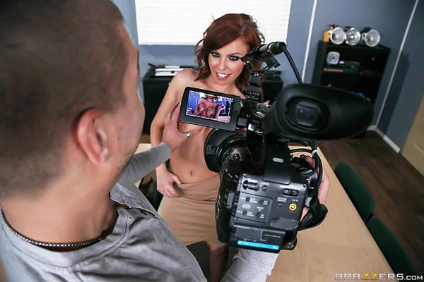 Titty Film School – Britney Amber, Xander Corvus (Brazzers / BigTitsAtSchool / 2015)