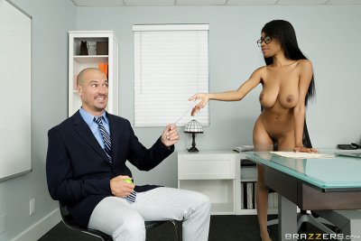 My Naked Boss – Brittney White, Sean Lawless