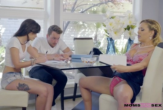 Heat Of The Moment – Cherie DeVille, Gia Paige & Van Wylde (MomsTeachSex / 2016)