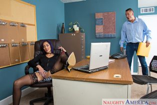 Chloe Amour & Danny Mountain in Naughty Office (2017)