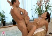 Love Tub – Cindy, George (2013)