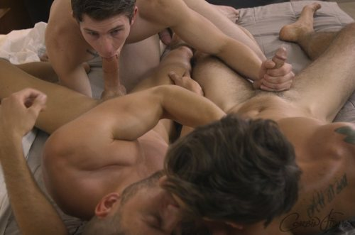 Ellis Gets Double Dicked – Ellis, Hugh & Sebastian (CorbinFisher / 2016)