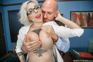 The Dean's Slut – Harlow Harrison, Johnny Sins (Brazzers / BigTitsAtSchool / 2016)