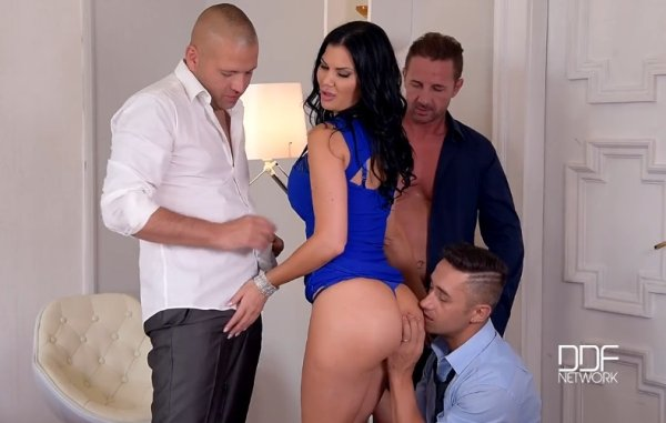 Foursome Bangarang – 3 Cocks To Suck, 3 Holes To Fill – Jasmine Jae