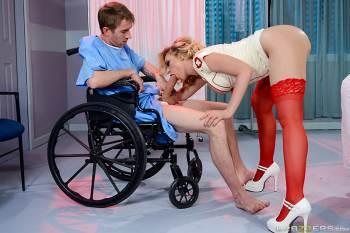 Super Nurse – Kagney Linn Karter, Danny D (2016)