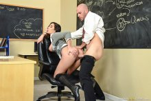 No Bubblecum In The Classroom – Karlee Grey, Johnny Sins (2017)