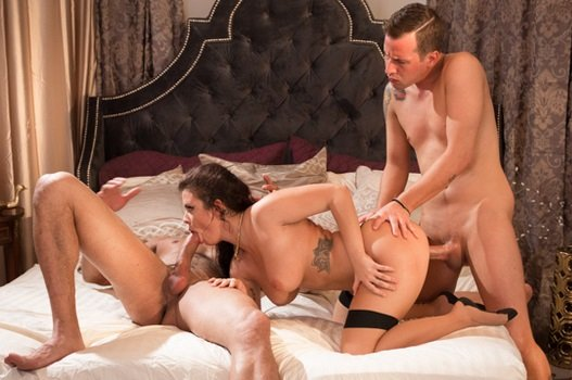 She Has This Fantasy – Keisha Grey, Jessy Jones & Carlo Carrera