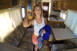 Ohio Cutie Banged In The RV – Kelly Greene (Mofos / ProjectRV / 2015)