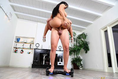 The Future Of Fucking – Luna Star, Keiran Lee (Brazzers / BabyGotBoobs / 2016)