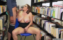 Checking out the big tits at the library – Maggie Green (2016)