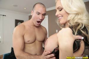 Penetrate The Pussy – Alena Croft, Sean Lawless (2016)