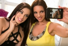 The Groupies – Mindi Mink, Bobbi Dylan (2016)