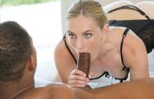 Hot Wife Enjoys Her Young Neighbor's BBC – Mona Wales, Ricky Johnson (2016)