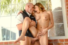 No Skatewhoreding! – Nina North, Johnny Sins (2017)