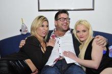 Slutty mature German ladies Elif O. and Oxana P. having a wild threesome – Oxana P., Elif O. & Stefan D. (2017)