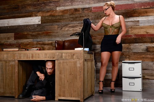 Breaking And Entering And Insertion – Phoenix Marie, Xander Corvus