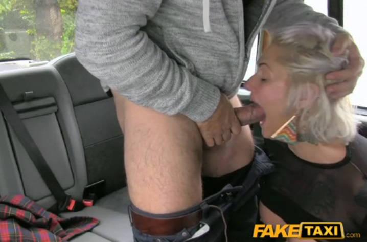 FakeTaxi – E280 Tattooed lady loves dirty anal sex – Tallulah (FakeHub / 2015)