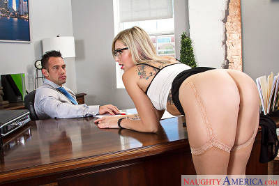 Zoey Monroe & Johnny Castle in Naughty Office (2015)
