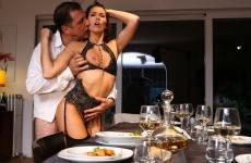 A submissive for dinner – Clea Gaultier (2018)