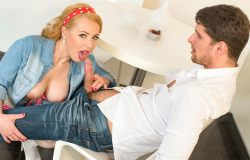 PinupSex – Voluptuous Czech pinup blonde Bibi Fox eats cum in steamy kitchen fuck (2017)
