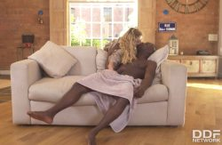 Hardcore Couch Surfing – Amber Jayne, Antonio Black (2017)
