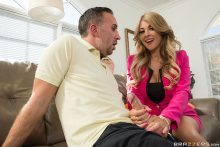 It Puts the Lotion on the Cock – Kayla Kayden, Keiran Lee (2017)